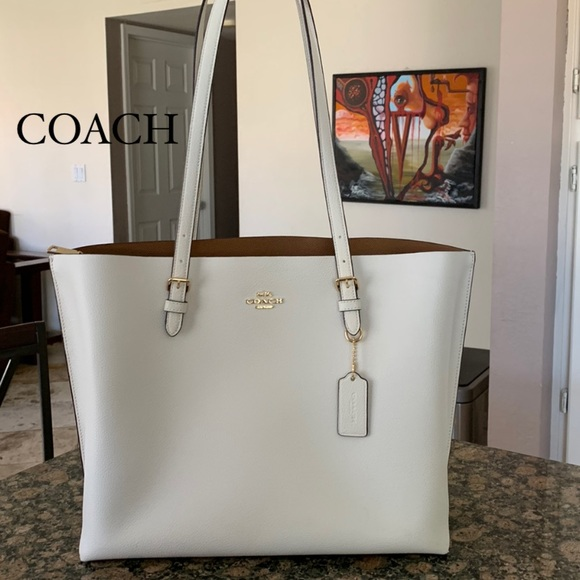 Coach Handbags - Authentic Coach leather Mollie Tote